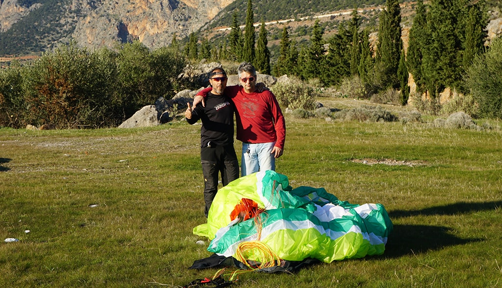 paragliding-friends-3